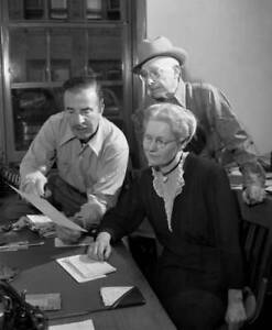 OLD-CBS-RADIO-PHOTO-Radio-Soap-Opera-Ma-Perkins-Show-with-Virginia-Payne-2
