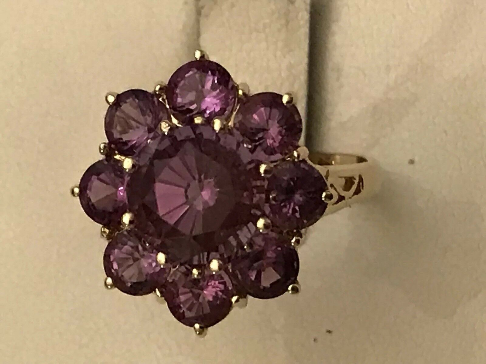 14k Yellow gold Round Amethyst Cluster Ring Size 6 3 4 - 4.4 Grams