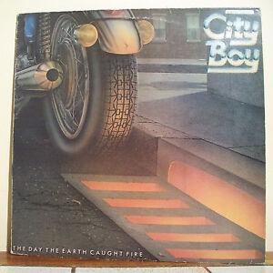 33T-CITY-BOY-Disque-LP-12-034-THE-DAY-THE-EARTH-CAUGHT-FIRE-Moto-VERTIGO-6360173-1
