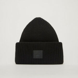 Acne-Studios-Pansy-Face-Patch-Wool-Beanie-Black