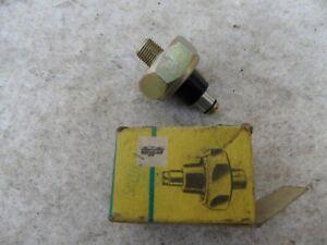 unbenutzter DDR Öldruckschalter SKO/K7 Fortschritt IFA Traktor - Dohma, Deutschland - unbenutzter DDR Öldruckschalter SKO/K7 Fortschritt IFA Traktor - Dohma, Deutschland