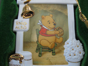 1996-WDCC-Walt-Disney-Collectors-Club-Ornament-Winnie-the-Pooh-and-Honey-Tree