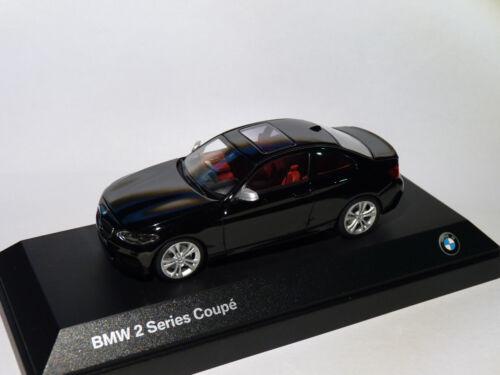 au 1//43 de Minichamps BMW série 2 coupé 2er series F22