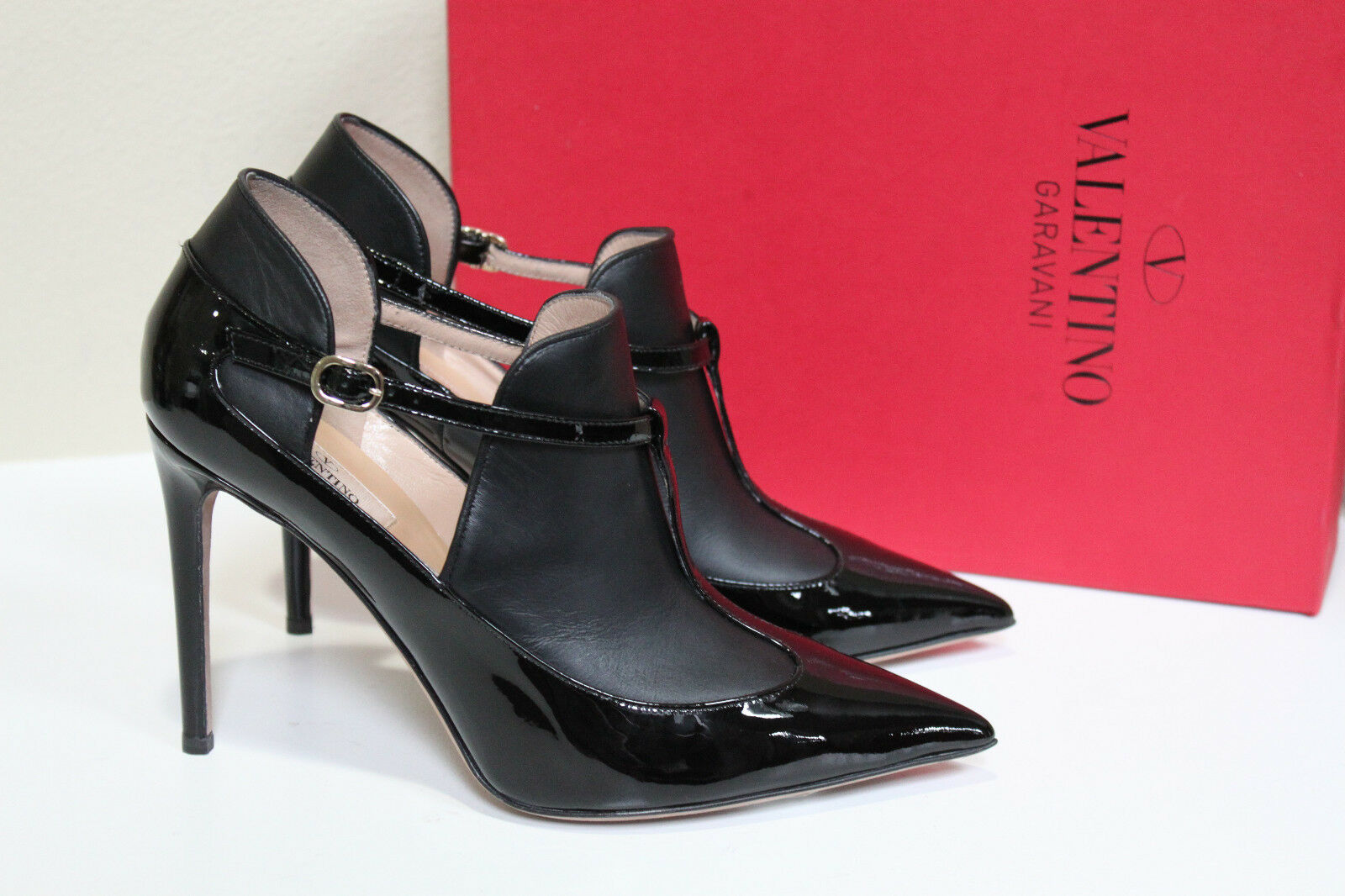 New sz 9 / 39 Valentino Black Matte & Patent Leather Pointy Toe Ankle Boot Shoes