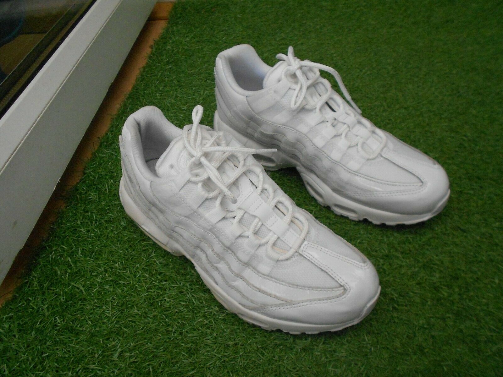 NIKE AIR MAX 95  TRAINERS UK SIZE 7.5 -  WHITE - IN A GOODISH COND STILL  excellent prices