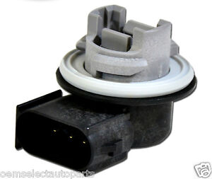 how to change headlight bulb ford focus 2010