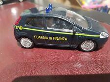 FIAT GRANDE PUNTO GUARDIA DI FINANZA   1/43  SANS BOITE