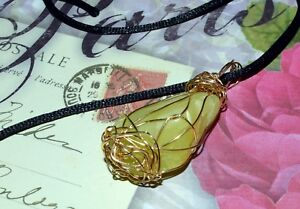 STUNNING-HAND-CRAFTED-GOLD-WIRE-WRAPPED-HEALERITE-PENDANT-2-Inches-High