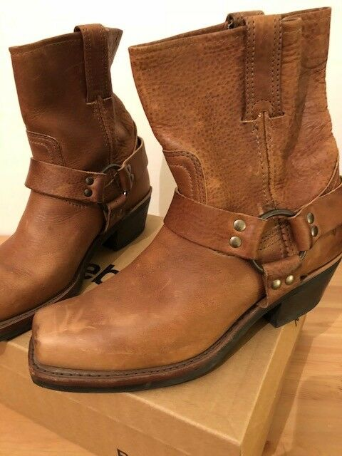 Donna Frye HARNESS 8R Booties Size 7 1/2 M