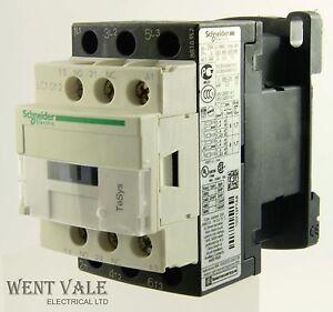 Contactor LC1K1210F7 Schneider 5.5kW 110VAC  078975 LC1-K1