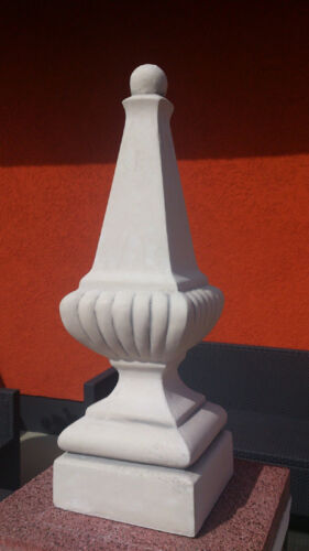 Gartendeko Gartenfiguren Pinienzapfen Stehle Pfeilerspitze mit Sockel 67 cm