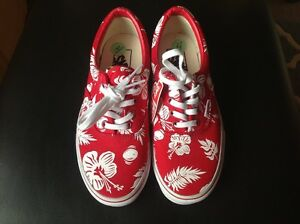 ef75944f6f Vans red and white hibiscus flowers trainers size 3 UK 4US UK NEW ...