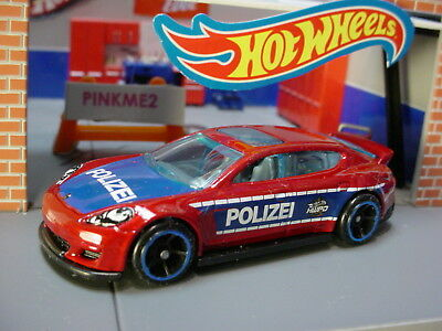2019 hot wheels porsche panamera red blue wh polizei loose multi pack fresh ebay. Black Bedroom Furniture Sets. Home Design Ideas