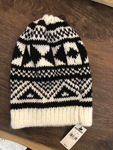 BETSEY JOHNSON Black White ROCK STAR Bow Knit Beanie Ski Hat NEW NWT