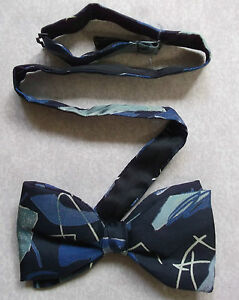 Bow Tie Homme Soie Nœud Papillon Réglable Frederick Theak Dickie Abstract-afficher Le Titre D'origine éLéGant En Odeur
