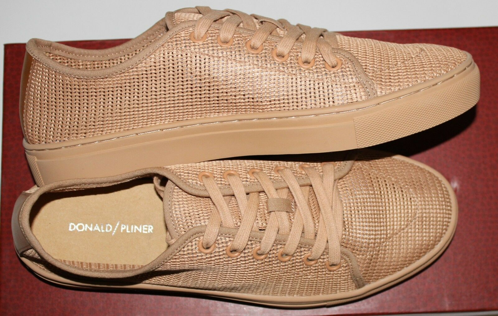 DONALD J PLINER ABEL SAND MESH SCREEN LACE UP SNEAKER