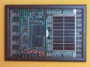 GROssE-Kernspeicherplatine-Manetkernspeicher-mit-Steuerplatine-als-Wandbild