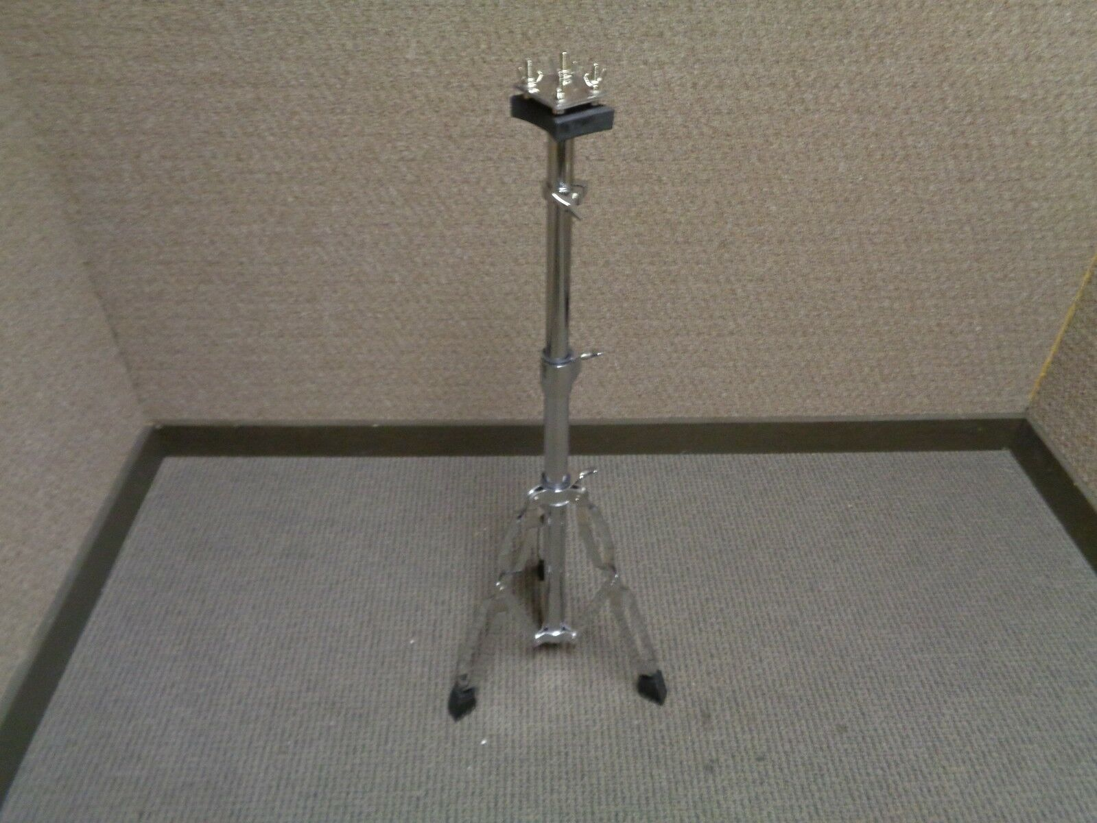 Universal Percussion Conga Stand with two Mounting Brackets