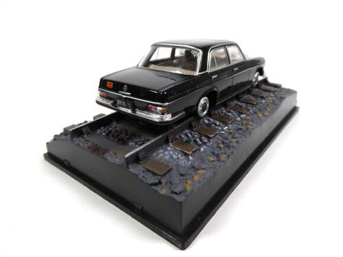 1:43 Diecast Model Car DY023 James Bond 007 Octopussy Mercedes Benz 250 SE