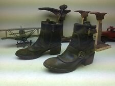 DISTRESSED DELTA DONALD J. PLINER CAMO GREEN LEATHER ZIP UP BOOTS 9.5 M