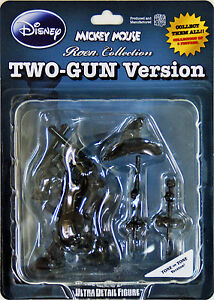 Medicom-UDF-99-Ultra-Detail-Figure-Mickey-Mouse-Two-Gun-Roen-Tone-on-Tone-Ver