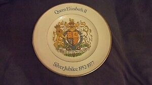 Wood-amp-Sons-Collectable-China-Plate-Queen-Elizabeth-Silver-Jubilee