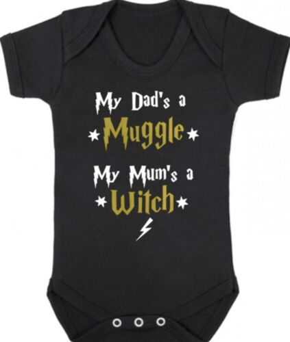 Dads a MUGGLE Mums a WITCH Baby Bodysuit//Grow//Vest HARRY POTTER Newborn Gift