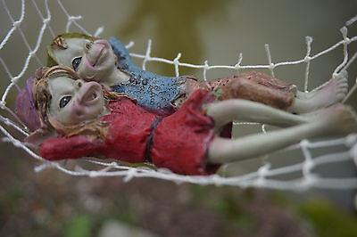 97193 Figurine Troll Dans Hamac Lutin Pixie Elfe Farfadet Korrigan Eppure Non Volgare