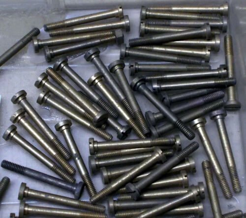 QTY 4 TRIANG S1019 X03//X04 MAGNET SCREW