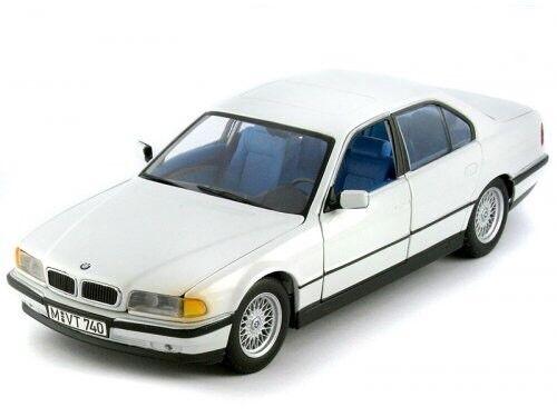 VERY RARE BMW 7 ER E38 740i 1999 WHITE LUXURY SALOON 1 24 SCHUCO (DEALER MODEL)