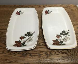 Vintage-Romanian-Sandwich-Plates-Red-Rose-Design-19x15-5-Cm