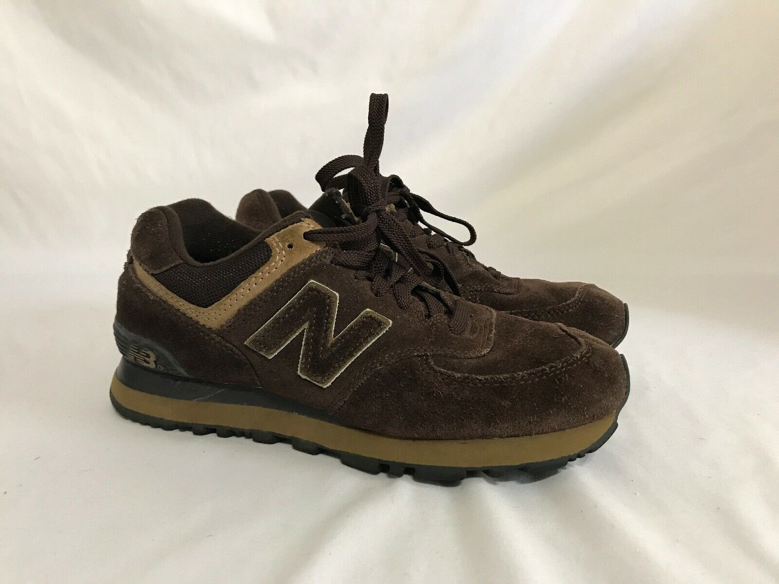Women's New Balance shoes Brown Size 7