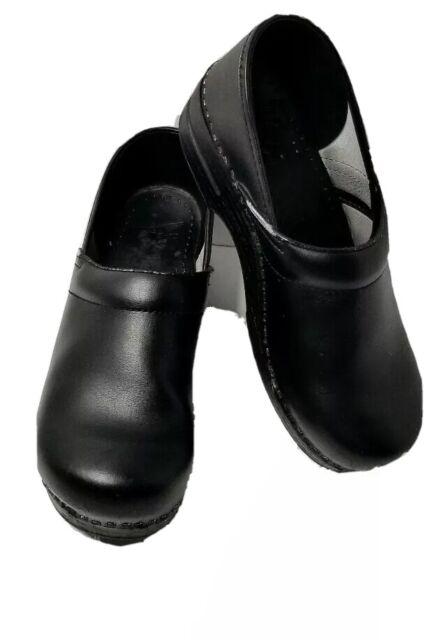Womens Dansko Black Suede Clogs/ Shoes