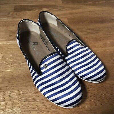 Arcopedico 37 US 6.5 white blue striped