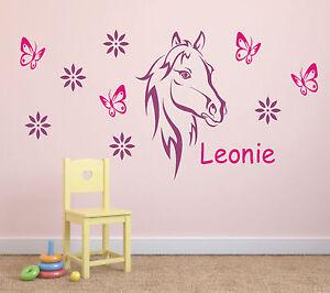 Wandtattoo ♥ Pferd + Schmetterlinge + Blumen mit Namen ...