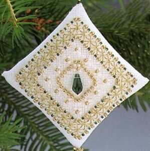 Tiny Tree Tiny Treasured Diamond Beaded Ornament Kit Mill Hill 1996