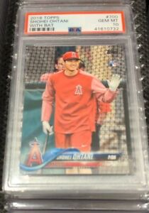 2018 Topps Shohei Ohtani With Bat SP #700 RC ANGELS Rookie *PSA 10 GEM MINT