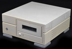 Sun-Microsystems-Model-811-595-2410-01-Enclosed-SCSI-External-Tape-Disk-Drive