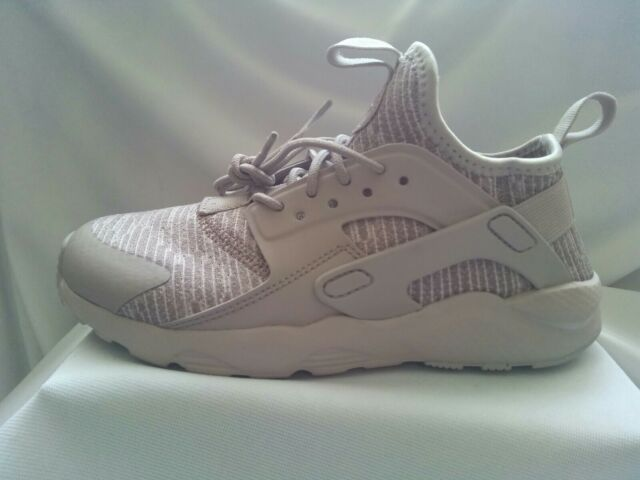 016a36b058f6 Nike Huarache Run Ultra Se(ps)unisex Trainers in Moon Particle UK ...