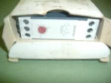 Siemens 7PU46 20 2AN20 timer relay... 220-240 VAC... sec o ore di nuovo in scatola