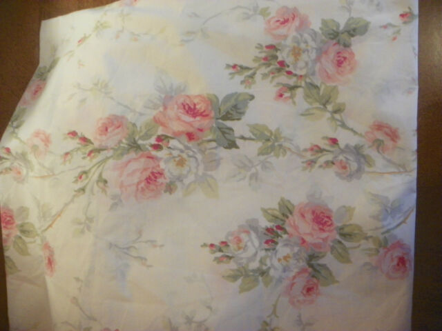 "RALPH LAUREN ""FAYE"" TWIN FITTED SHEET-100% COTTON--FITS DEEP MATTRESSES"