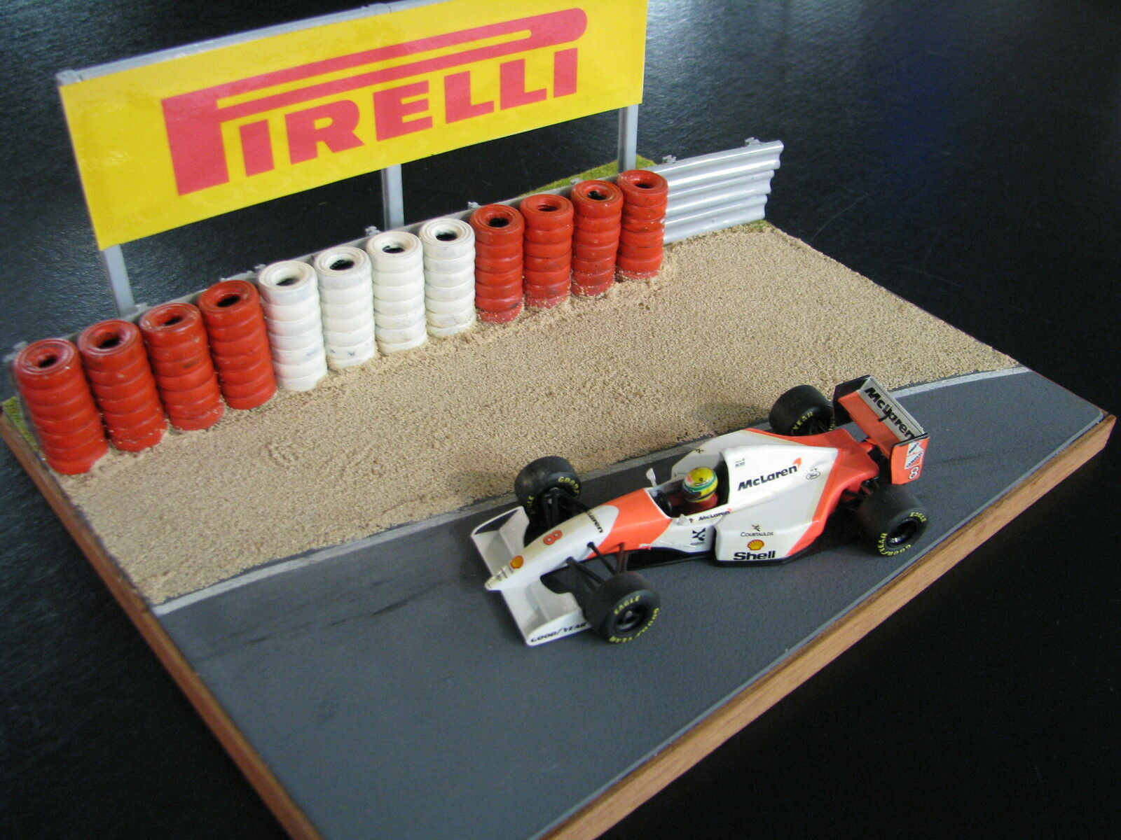 QSP Diorama Grand Prix Circuit with Sand Pit and Tyre Wall  Pirelli