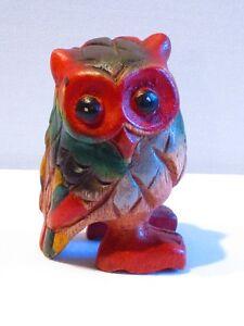 Chouette-colore-sculpte-en-bois-de-Suar-8-x-5-hiboux