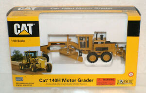 Norscot-CAT-140H-Motor-Grader-1-50-Scale-Diecast-Toy-Box-Opened