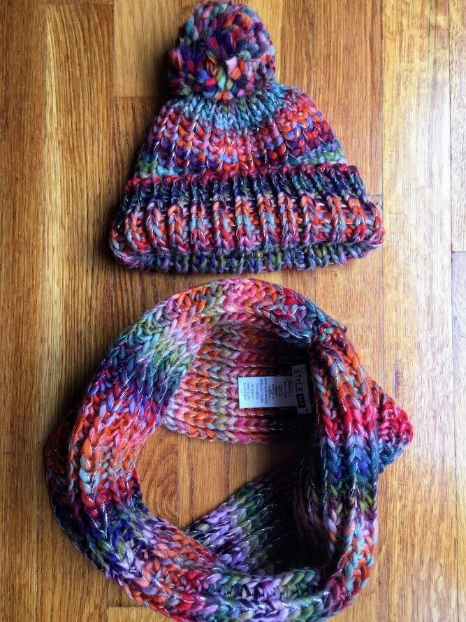 NWT Women Girl Knitted Infinity Scarf/Cowl & Hat/Beanie Set Hallmark Fall Chunky