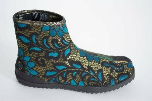 Irregular Choice Sandy Toes B Black Floral Split Toe Boots Shoes