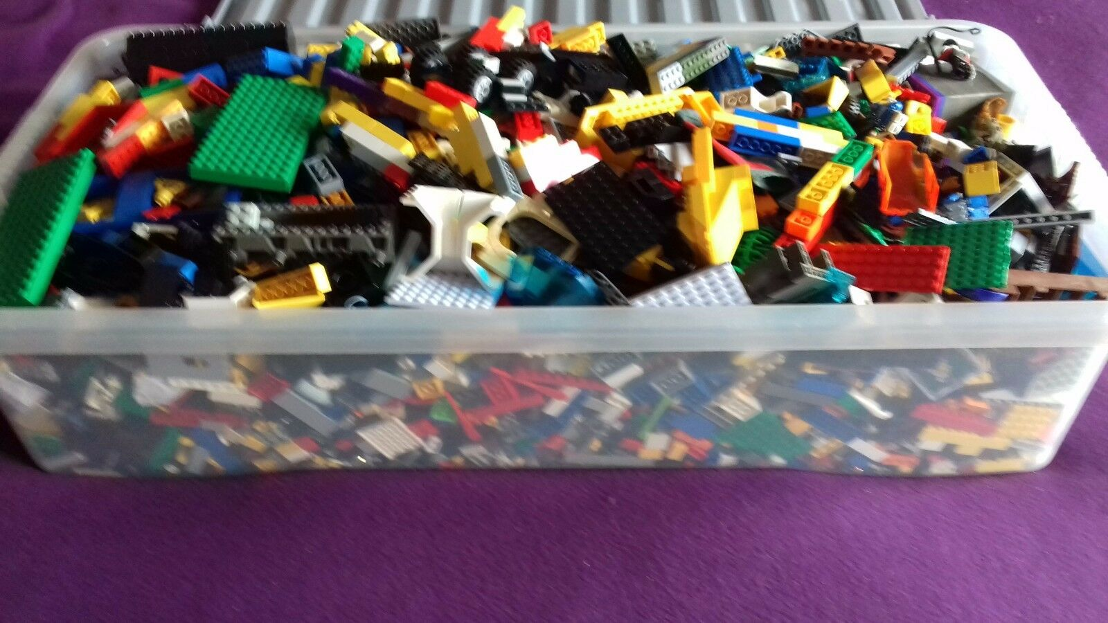 Lego huge box of lego 1000s of pieces box box box inside size is 30inchX14inchX7inch VGC 91405b