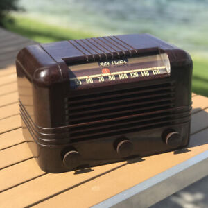 A-Restored-1940-RCA-Victor-Red-Dot-Model-15X-Radio-See-The-Video