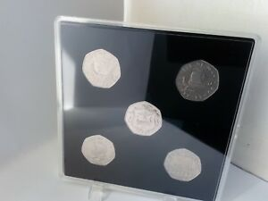 NEW-ACRYLIC-COIN-DISPLAY-CASES-FOR-OLD-CHRISTMAS-50p-TT-50p-VIKING-50-5-slots