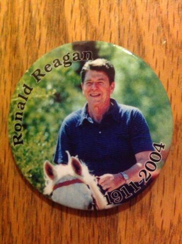 """1911-2004 1 3//4/"""" President Ronald Reagan Memorial Riding Horseback Button Pin"""
